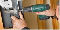 Ouverture porte d'entrée PVC SERRURIER BIOT